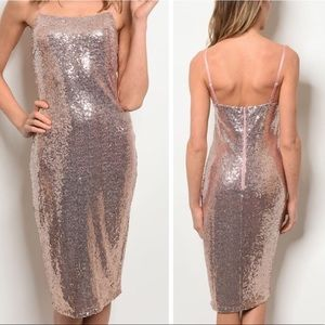 🔥🔥Rose gold sexy sequin holiday dress NWT🔥🔥